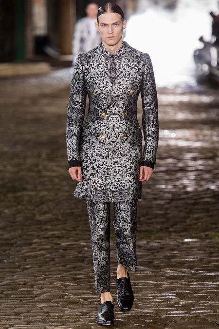 Alexander McQueen, Spring 2014, Look 23