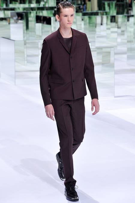 Dior Homme, Spring 2014, Look 1  Photo: Yannis Viamos/InDigital/GoRunway found on www.style.com