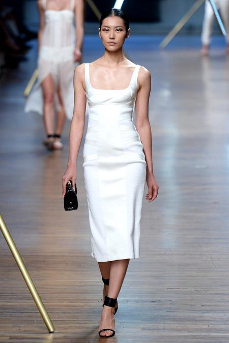 Look 10, Liu Wen Photo: Yannis Viamos/Indigitalimages.com