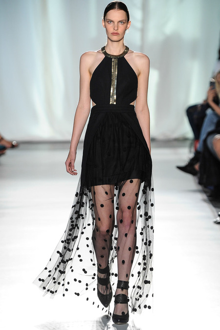 Sass & Bide, Look 1 Photo: Umberto Fratini/Indigital.com