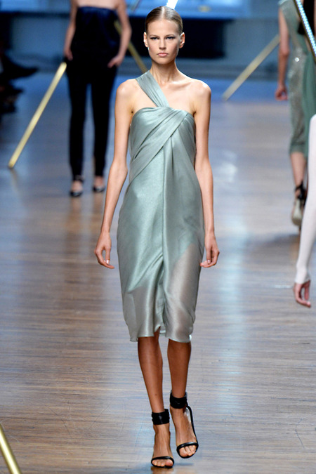 Look 24 Photo: Yannis Viamos/Indigitalimages.com