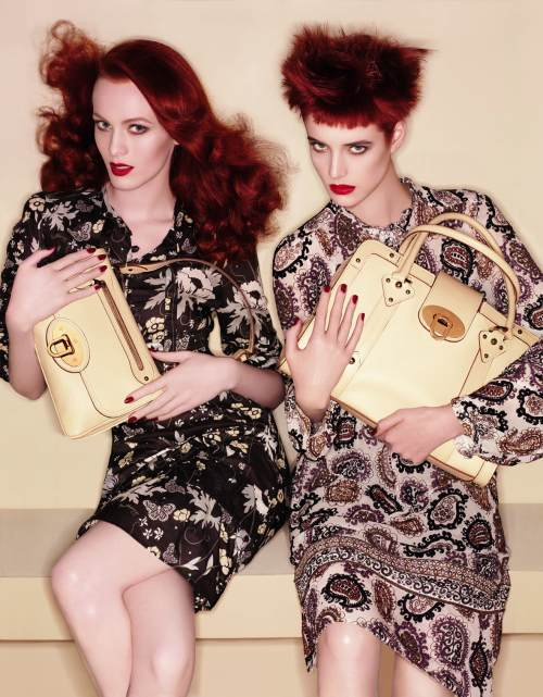 Mulberry Ad- Karen Elson and Agyness Deyn Photo:http://fashionista.com/2007/08/mulberry-hires-katie-grand-as-creative-director/