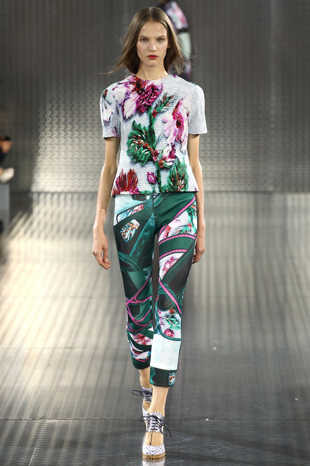 Bomfared Two Piece, Mary Katrantzou, Spring 2014, Look 11 Photo: Marcus Tondo/Indigitalimages.com