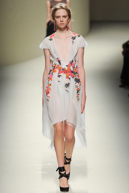 Alberta Ferretti, Spring 2014, Look 49 Photo: Yannis Vlamos/Indigitalimages.com