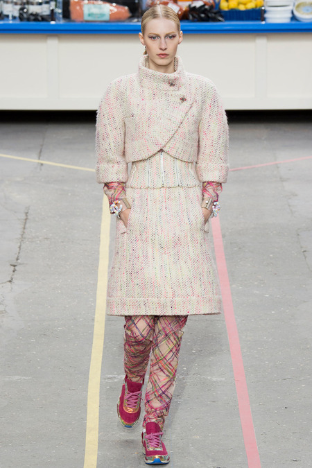Chanel, Fall/Winter 2014 Collection, Look 4 Model: Julia Nobis Photo: Yannis Vlamos/Indigitalimages.com found on www.style.com