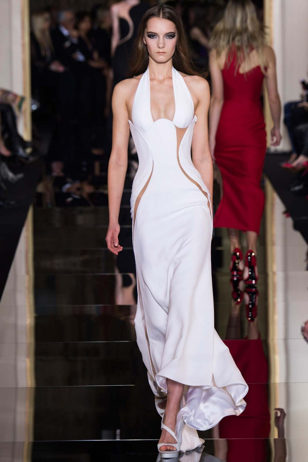 Atelier Versace, Spring/Summer 2015 Look 11 Model : Irina Liss Photo: Kim Weston Arnold/Indigitalimages.com