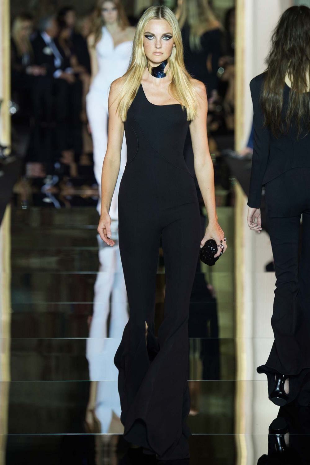 Atelier Versace, Spring/Summer 2015 Look 3 Model : Caroline Trentini Photo: Kim Weston Arnold/Indigitalimages.com
