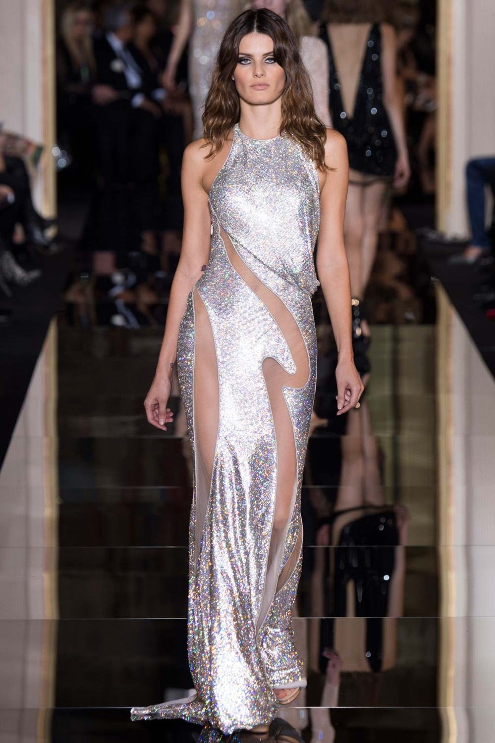 Atelier Versace, Spring/Summer 2015 Look 30 Model : Isabeli Fontana Photo: Kim Weston Arnold/Indigitalimages.com