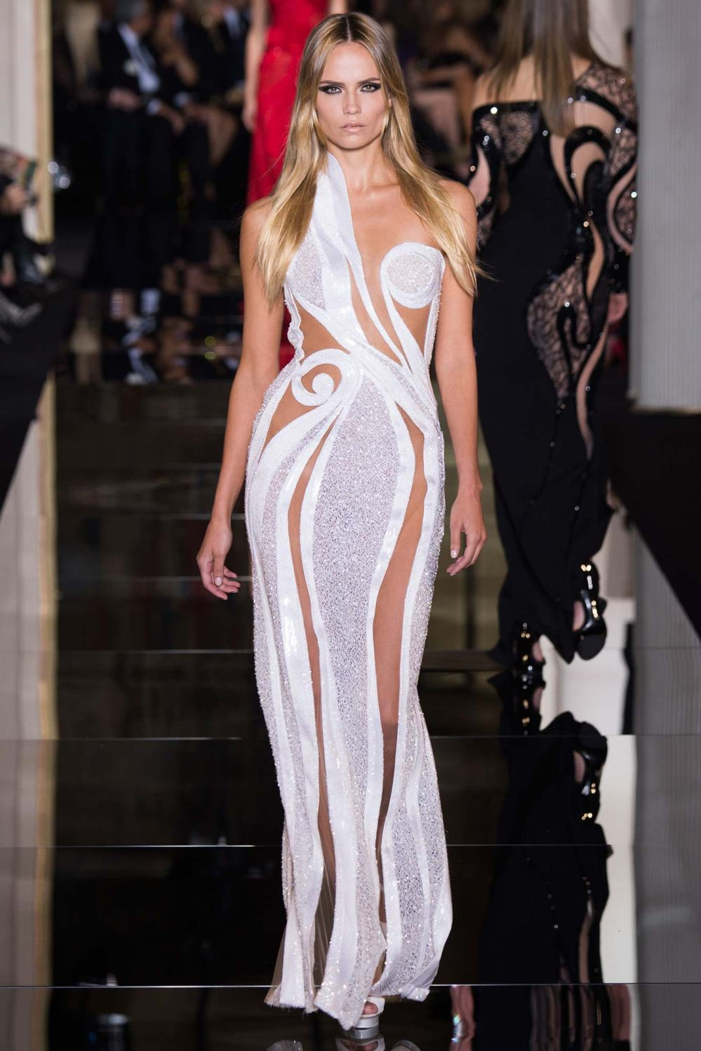 Atelier Versace, Spring/Summer 2015 Look 40  Model : Natasha Poly Photo: Kim Weston Arnold/Indigitalimages.com