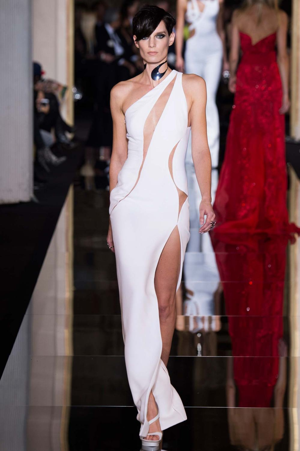 Atelier Versace, Spring/Summer 2015 Look 43 Model : Iris Strubegger Photo: Kim Weston Arnold/Indigitalimages.com