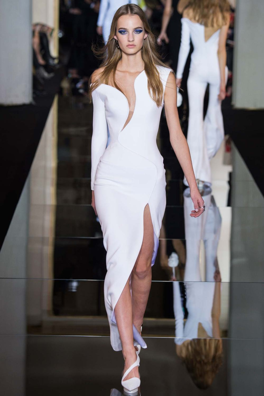 Atelier Versace, Spring/Summer 2015 Look 5 Model : Maarje Verhoef Photo: Kim Weston Arnold/Indigitalimages.com