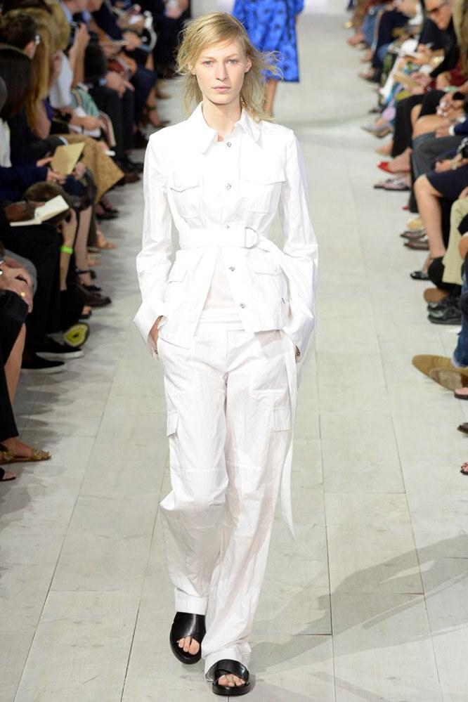 Look: 5  Model: Julia Nobis Photo: Yannis Vlamos/indigitalimages.com